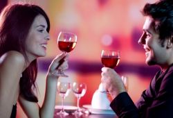 Is It OK to Kiss on the First Date image