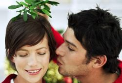 Why kiss under the mistletoe ? image